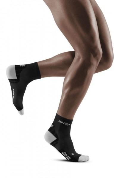 CEP Ultralight Compression Short Socks Herren, kurze Kompressionssocke - WP5BIY Black/Light Grey