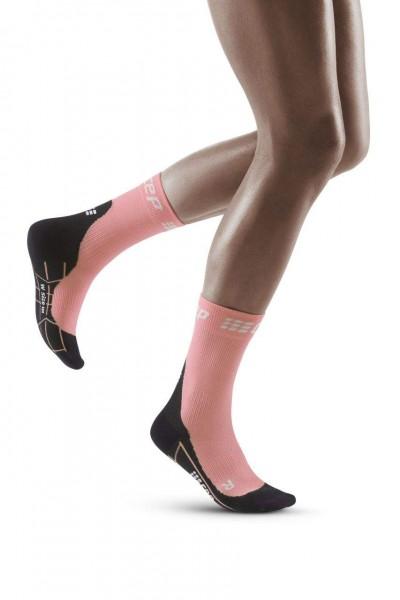 CEP Winter Run Compression Short Damen Laufsocken - WP4B1U Light Rose / Black