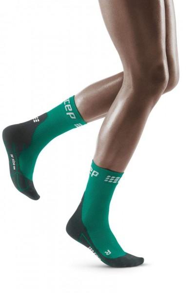 CEP Winter Run Compression Short Damen Laufsocken - WP4BMU Green / Black